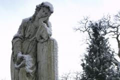 beeld op protestant gedeelte